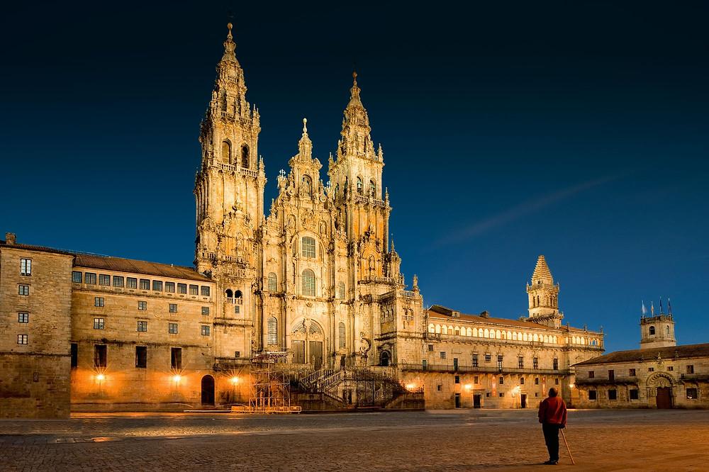 Vista nocturna de la Catedral de Santiago