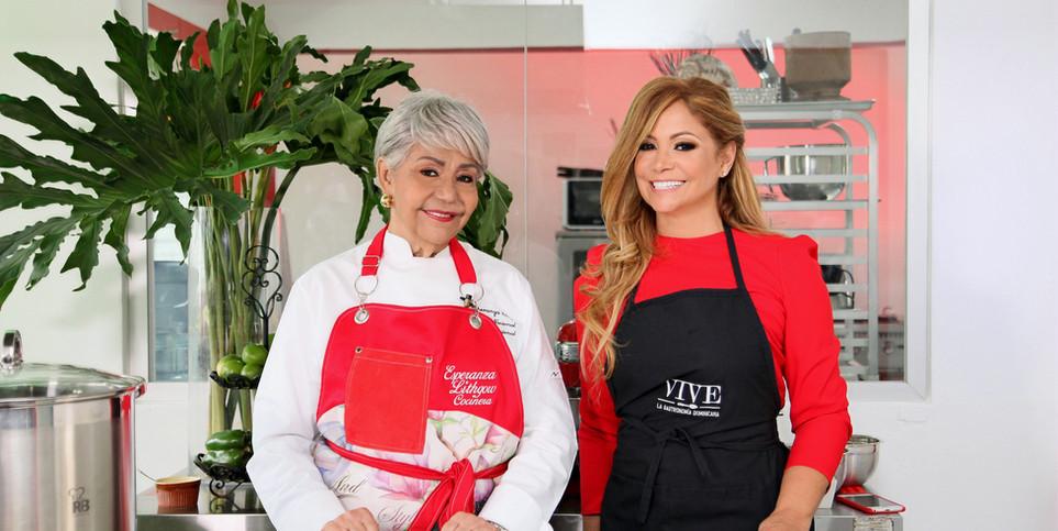 La chef Esperanza Lithgow y la experta en turismo Rosa Grullón_edited.jpg