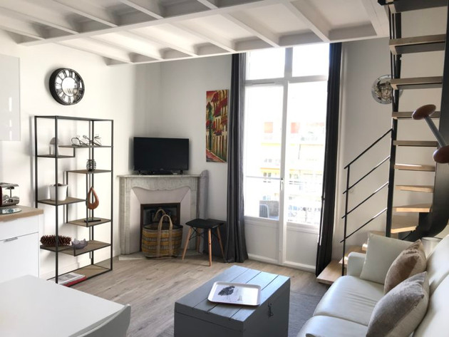 3-espace-salon-et-coin-TV-IMG_3155-800x6