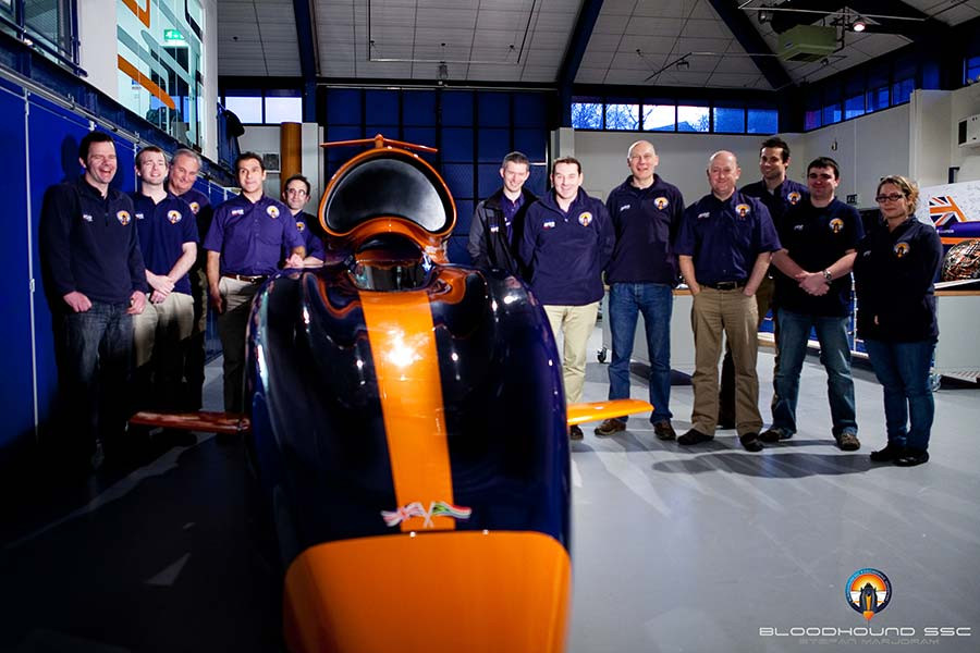 BLOODHOUND-Engineers_BTC-[pic-credit-Ste