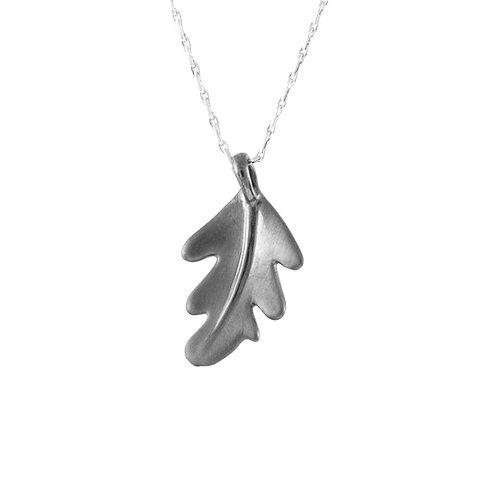 Oak leaf pendant, black rhodium finish