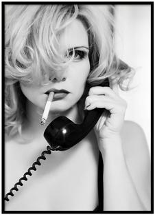 Screenshot_2018-08-02 Girl in Phone Post