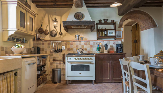 Podere-Erica-Kitchen.jpg