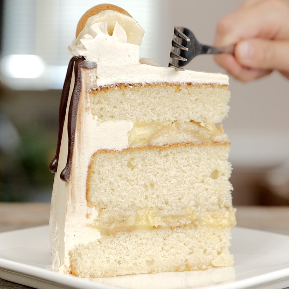 cake slice banana pudding cake