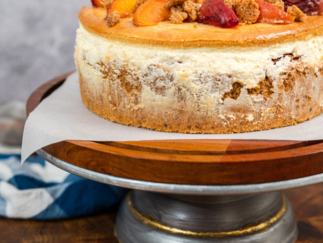 Roasted Peach Cobbler Cheesecake