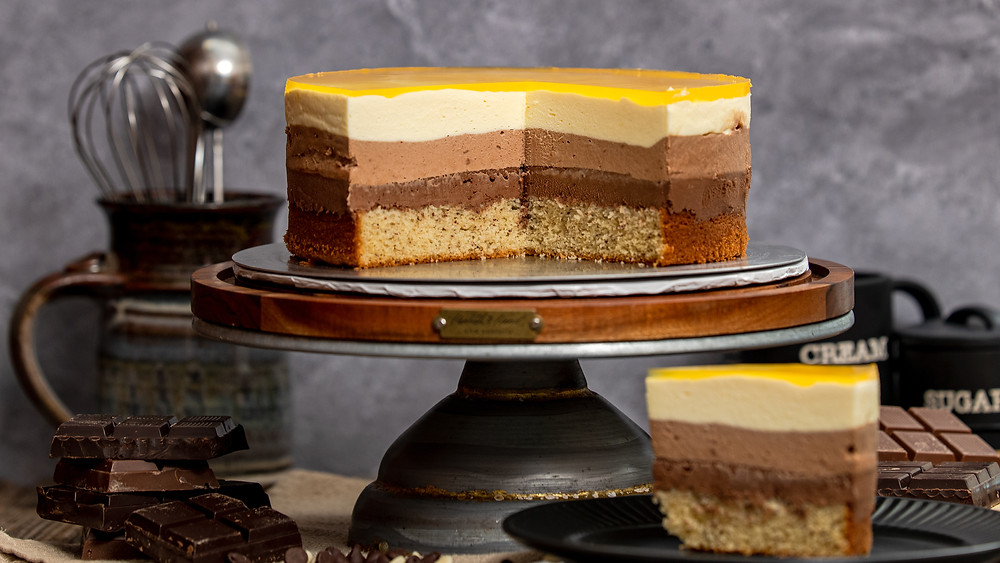 marble cake with slices