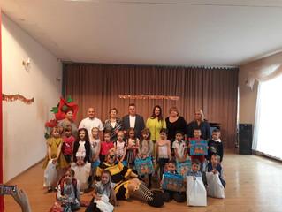 В рамках партийного проекта «Крепкая семья» в Энгельсе прошла благотворительная акция «Собери ребенк