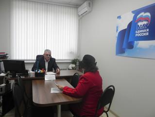 Депутат Энгельсского городского Совета депутатов Сергей Макаров провел личный прием граждан