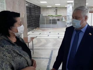 Дмитрий Плеханов проверил организацию питания в 32 школе