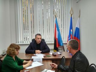 Депутат Саратовской областной Думы Олег Алексеев провел личный прием граждан в Общественной приемной
