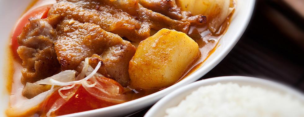108 HK Chicken Curry Rice.jpg