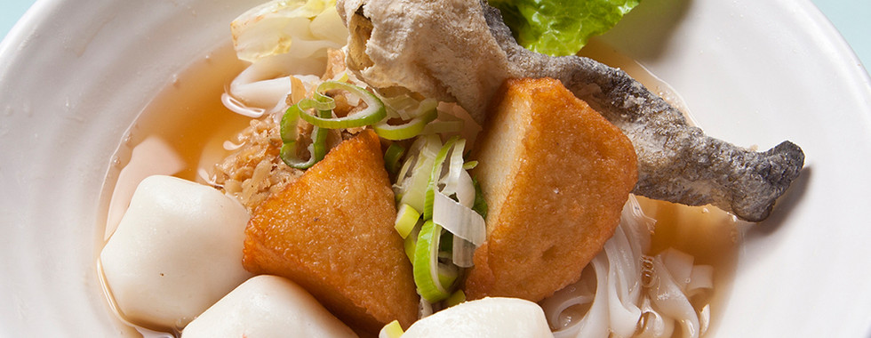 105-HK Fish Ball Fish Cake Noodle.jpg