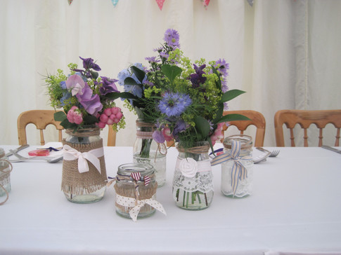 Purple and pink for a country wedding