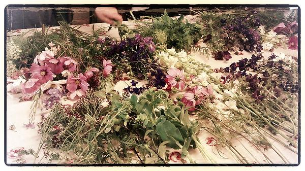Flower workshop flower arrangement wedding flowers