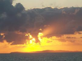 sunset loutsa vrachos