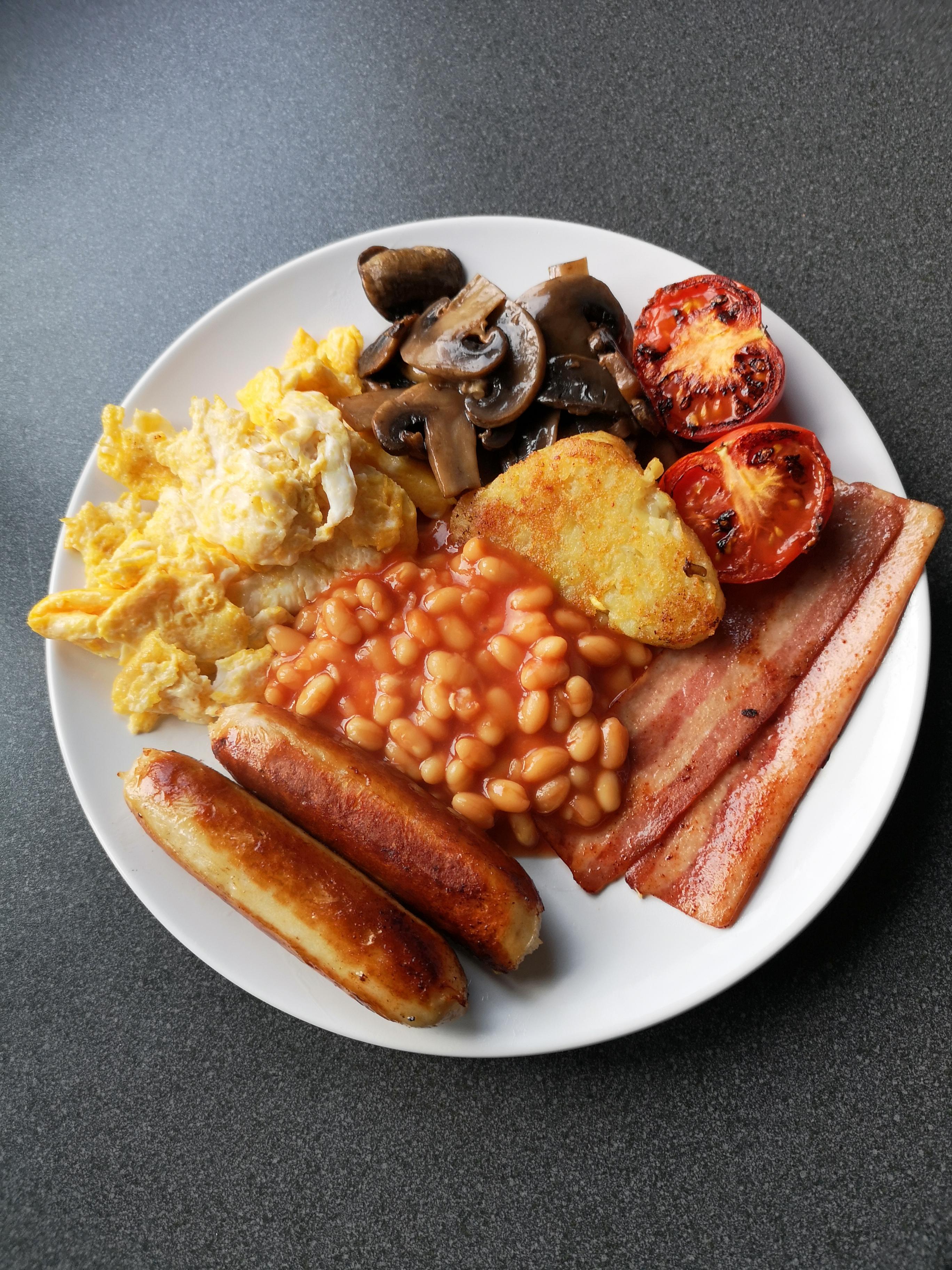 English breakfast - scrambled egg
