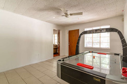 1015 NW 8th St Gainesville FL-small-008-