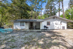 1015 NW 8th St Gainesville FL-small-024-
