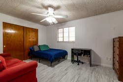 1015 NW 8th St Gainesville FL-small-009-