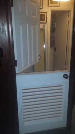 602 Living room doorway