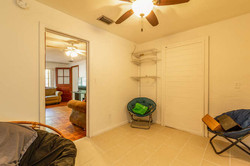 1015 NW 8th St Gainesville FL-small-019-
