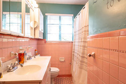 1015 NW 8th St Gainesville FL-small-017-