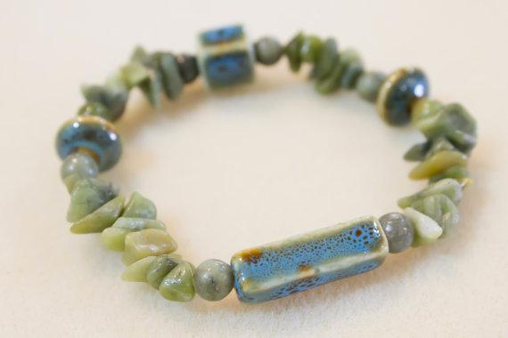 Serpentine Chip and Jade Porcelain Bracelet
