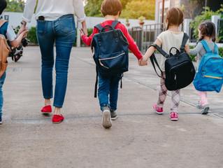 Ortopedista alerta sobre o risco do excesso de peso nas mochilas escolares