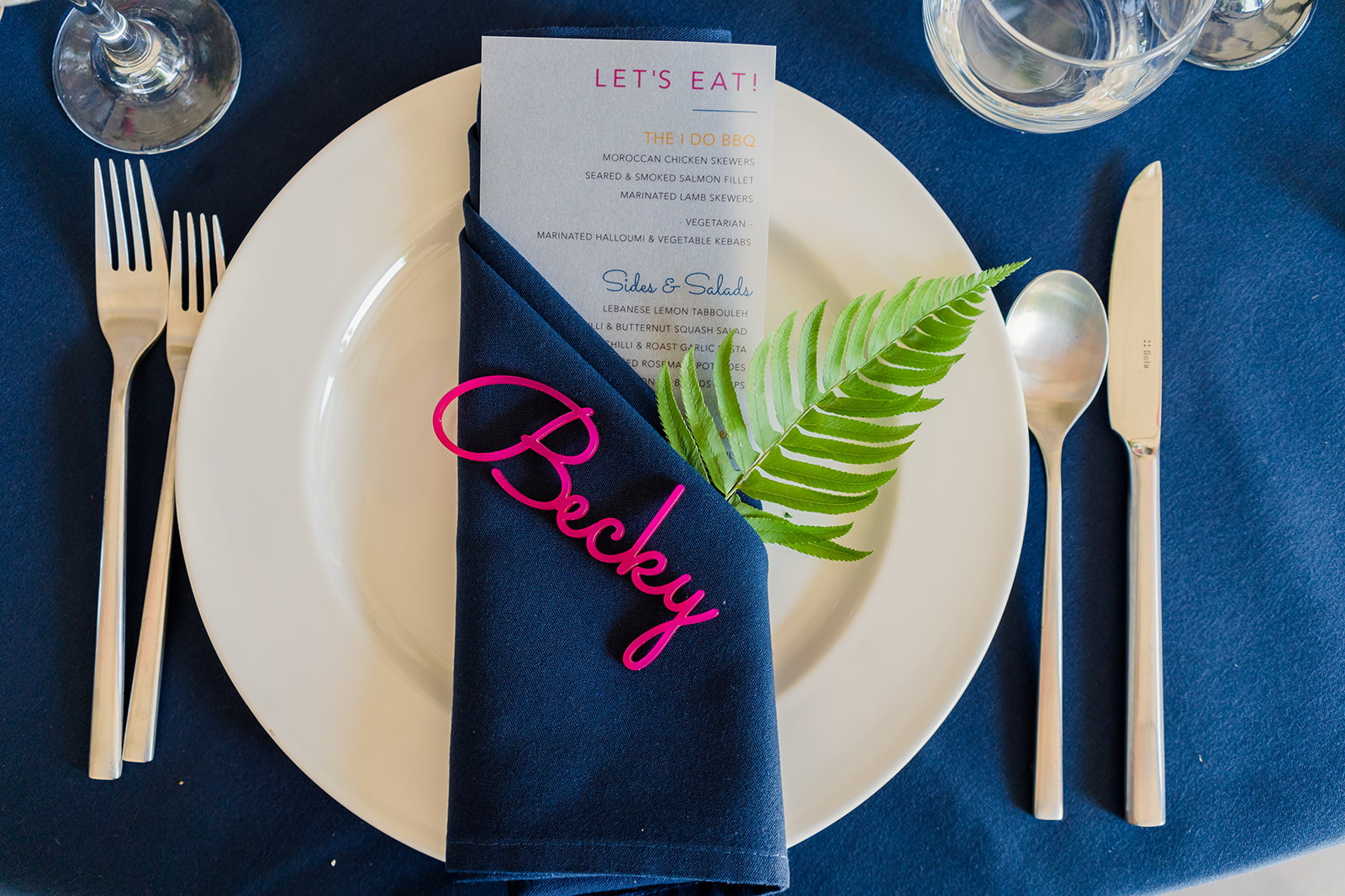 Tropical theme place setting