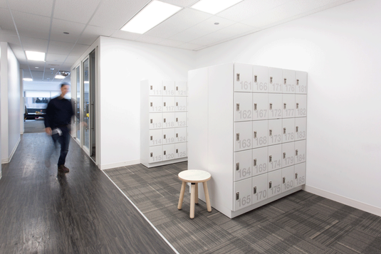 web-day-use-lockers-office-workplace-per