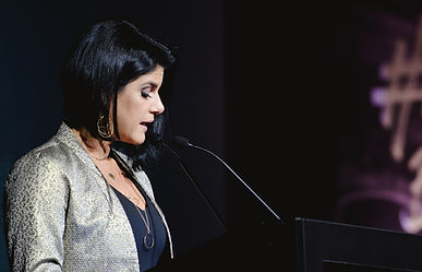 Iza Cardoso - Mestre de cerimônias, apresentadora de eventos e vídeos e locutora (31) 9.8237-2235