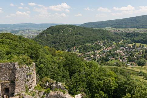 Chöpfli Hofstetten-Flüh von der Burg Landskron aus. Ein Siedlungsplatz der  Eisenzeit.