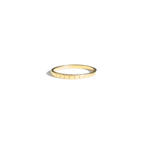 Anel risquinho (dourado)
