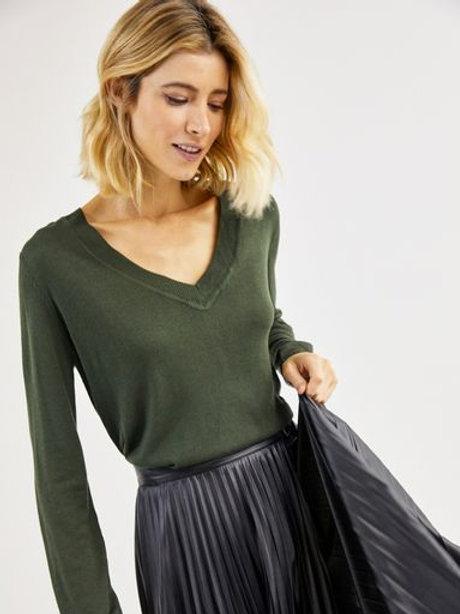 Blusa tricot básico decote V (verde)
