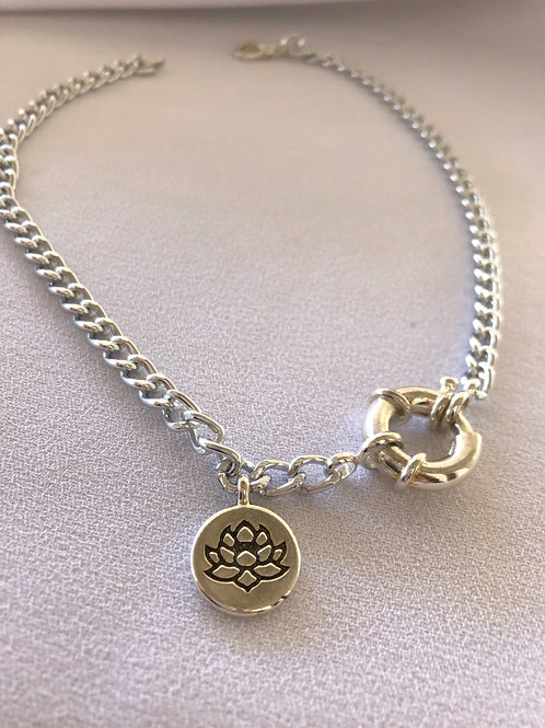 Lotus Silver Renk Kolye