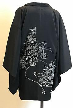羽織 黒.jpg