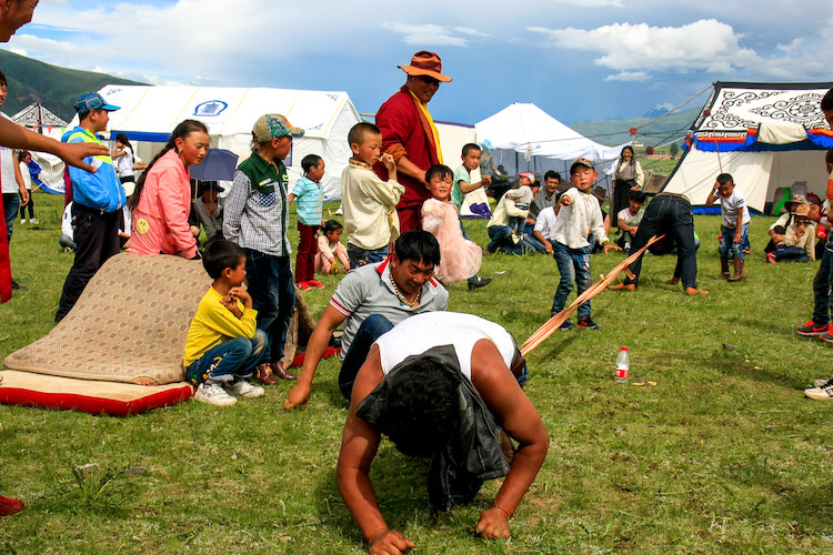Tibetan picnic games