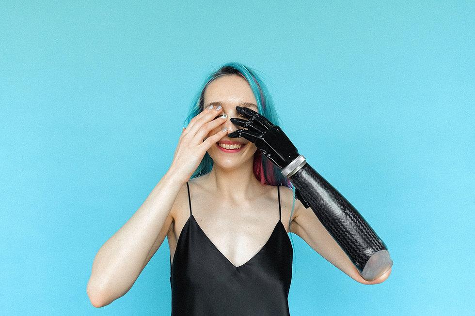 woman_prosthetic_artistic_web.jpg
