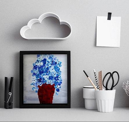 ציור של עציץ בגווני אדום בורדו עם פרחים בכחול לבן