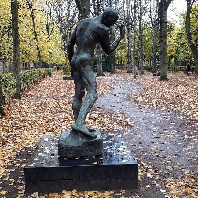 פסל בגני רודן בפריז