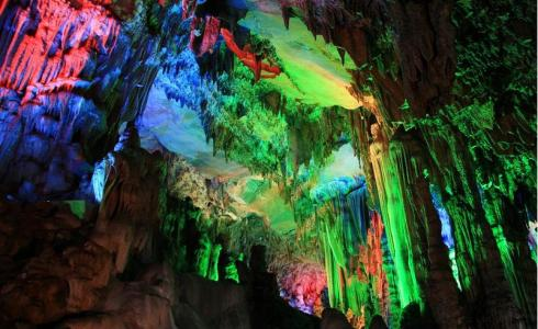 Fancy cave of Thousand Island Lake