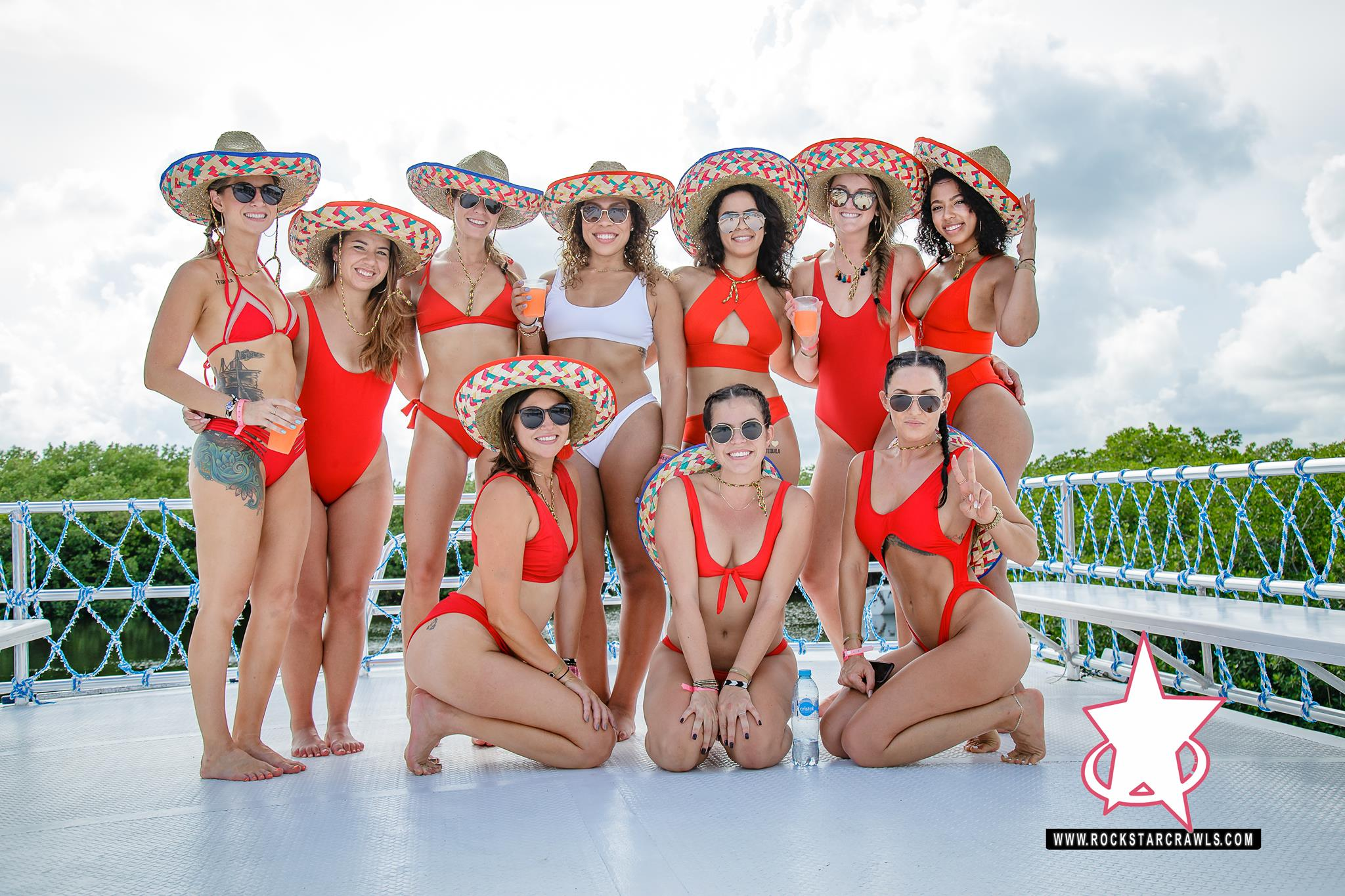 booze cruise cancun