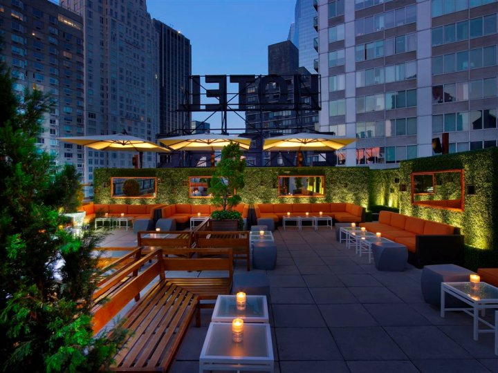 Nycrawl rooftop crawl