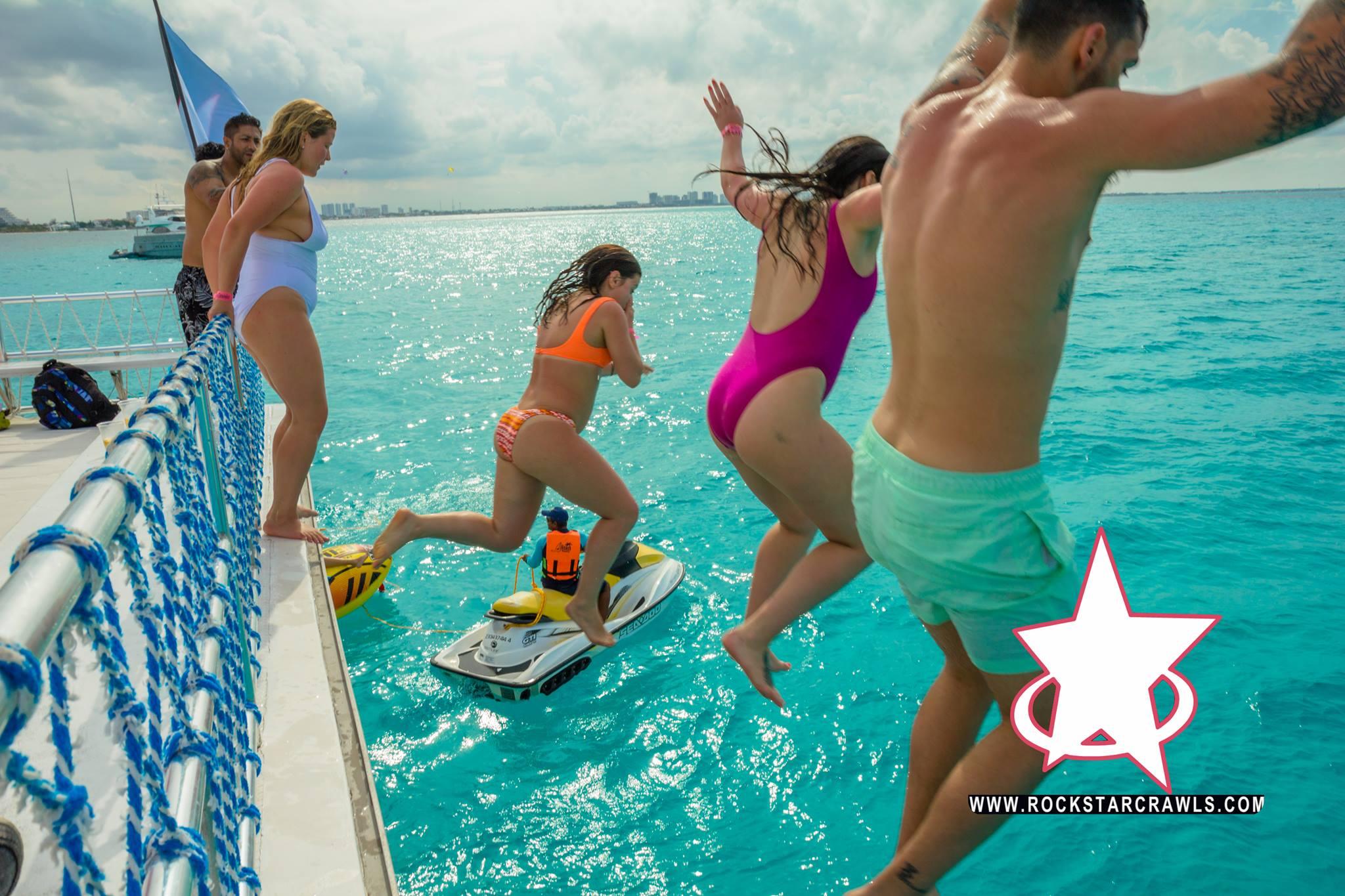 booze cruise cancun