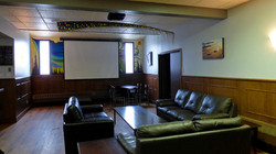 Lounge_Big-screen