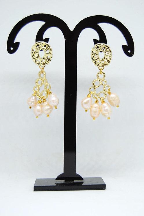 Orecchini chandelier con perle di fiume