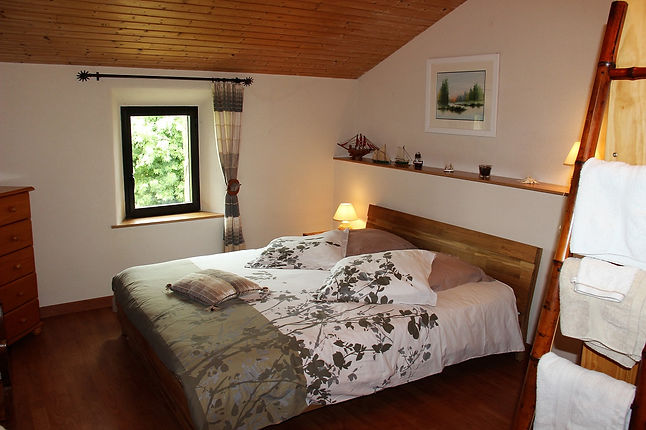2_chambre_gite_les_herbiers.JPG