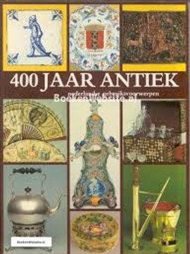 400 jaar antiek nederlandse gebruiksvoorwerpen / J. Stuurman-Aal