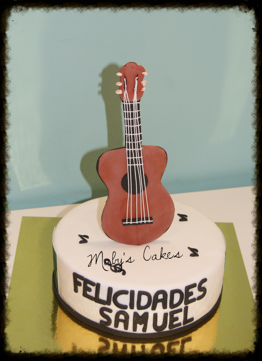 Tarta Guitarra       Tarta Sabadell Terrassa fondant tarta personalizada