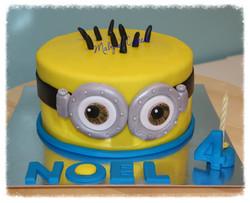 Pastel Minion Gru villano favorito   pastis fondant tarta pastel  sabadell terrassa rubi sant quirze